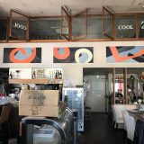 【ロードサイド店舗】天井高4.5m級のオシャレなカフェの居抜き(駐車場付き)
